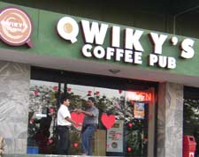 Qwiky's Coffee Pub