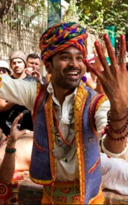 The Extraordinary Journey Of The Fakir (english) - cast, music, director, release date