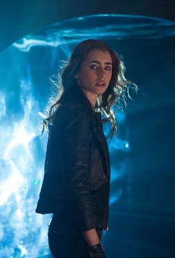 The Mortal Instruments: City Of Bones (english) - cast, music, director, release date
