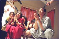 Darwaza Bandh Rakho (hindi) - cast, music, director, release date