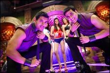Desi Boyz (hindi) reviews