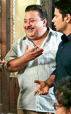 Khajoor Pe Atke (hindi) - cast, music, director, release date