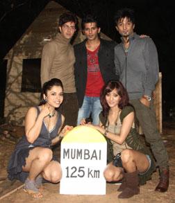 Mumbai 125 KM (3D) (hindi) - show timings, theatres list