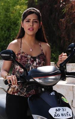Athadu Aame O Scooter (telugu) - cast, music, director, release date