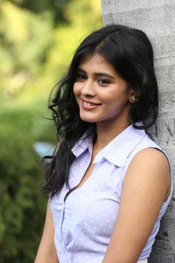 Nanna Nenu Naa Boy Friends (telugu) reviews