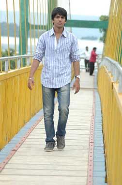 Pranaya Veedhullo (telugu) - cast, music, director, release date