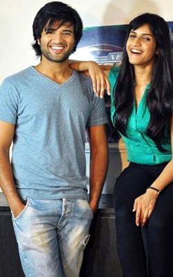 Ye Mantram Vesave (telugu) - cast, music, director, release date